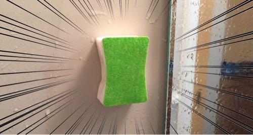 鏡ピカピカが浴室の壁に貼り付いてる