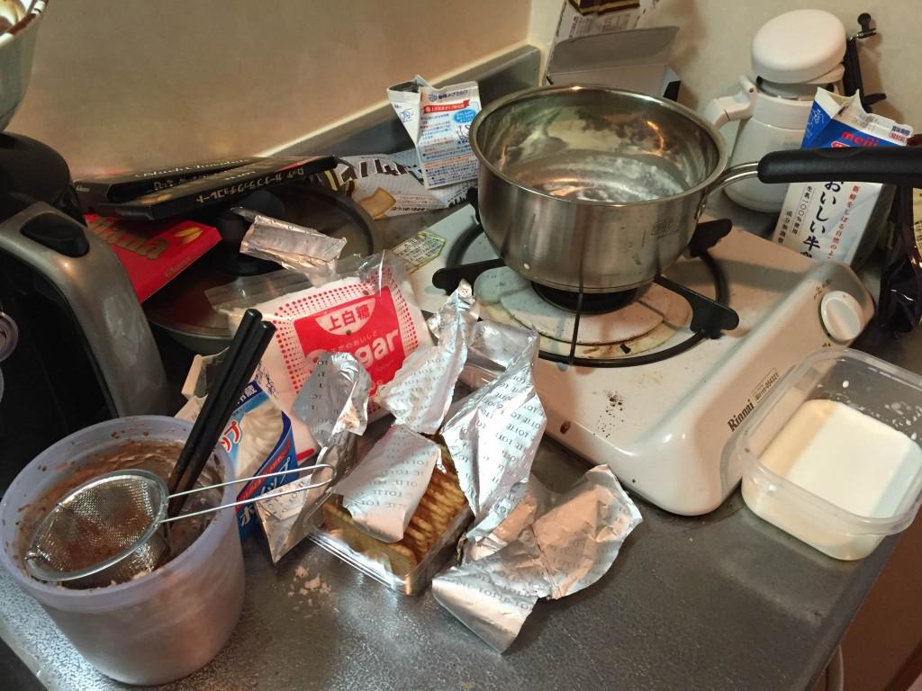 ケーキを作り終えたキッチン