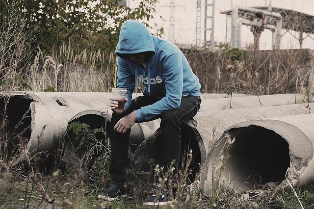 alcoholism-1848971_640